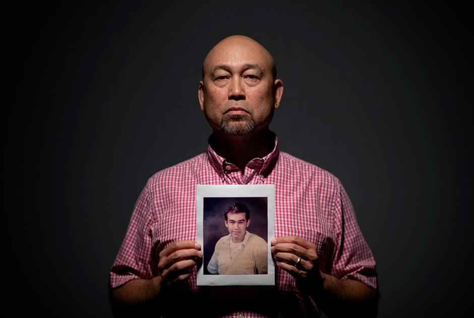 48-летний Робби Перес и его фотография в 14 лет