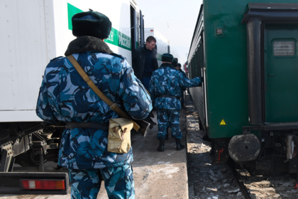 Российский тюремщик убил девушку и покончил с собой на службе