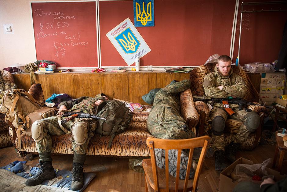 Солдаты украинского добровольческого батальона «Азов»