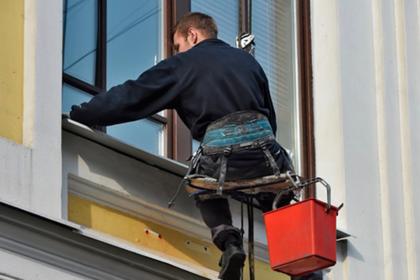 Вор-альпинист обчистил офисы в московской многоэтажке