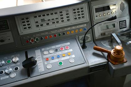 Россиянок допустят до работы машиниста поезда в московском метро