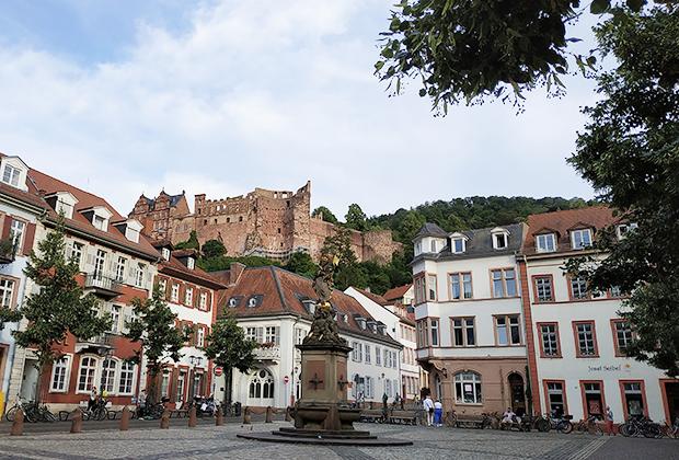 Гейдельберг. Вид на «главные руины Германии» из города