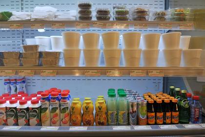 Витрина кафе здоровой еды Healthy Food Фото Александра Уткина / РИА Новости