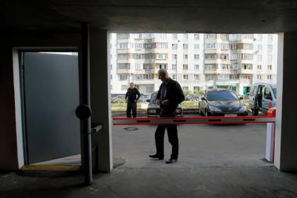 Россиян заставили выбивать долги из соседей