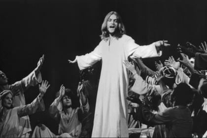 Умер исполнитель главной роли в мюзикле «Иисус Христос — суперзвезда»