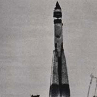 Старт ракеты-носителя 8К72 с лунной станцией