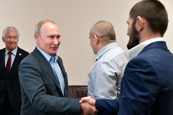 Путин встретился с Нурмагомедовым и оценил удушение Порье