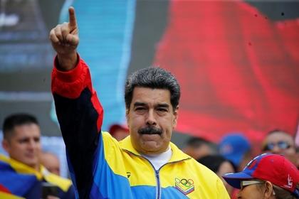 Мадуро объявил об открытии авиасообщения между Москвой и Каракасом