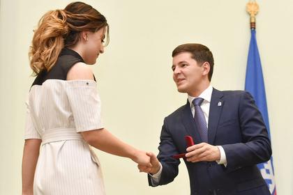 Губернатор ЯНАО учредил премии для победителей и призеров школьных олимпиад