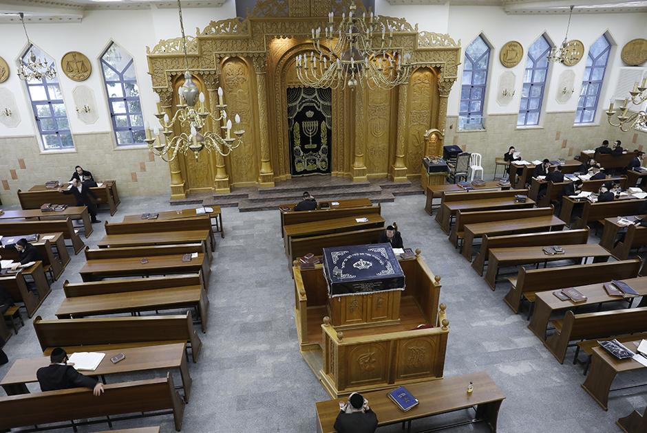 Основанное ультра-ортодоксами поселение Бейтар Иллит — одно из самых больших и быстро растущих поселений израильтян в спорном регионе.