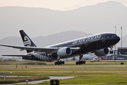 Пассажир длительного авиарейса умер за несколько минут до посадки