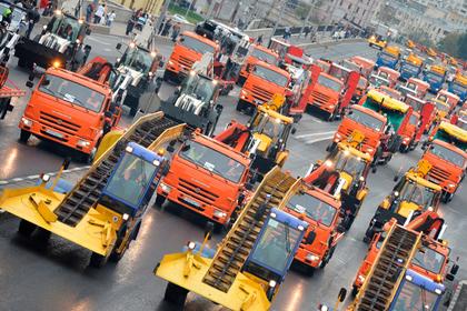 Около 700 спецмашин примет участие в праздничном шествии городской техники