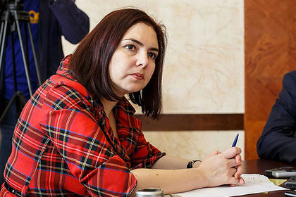 Кремль оценил возможное возвращение назвавшей жителей бичами чиновницы на работу