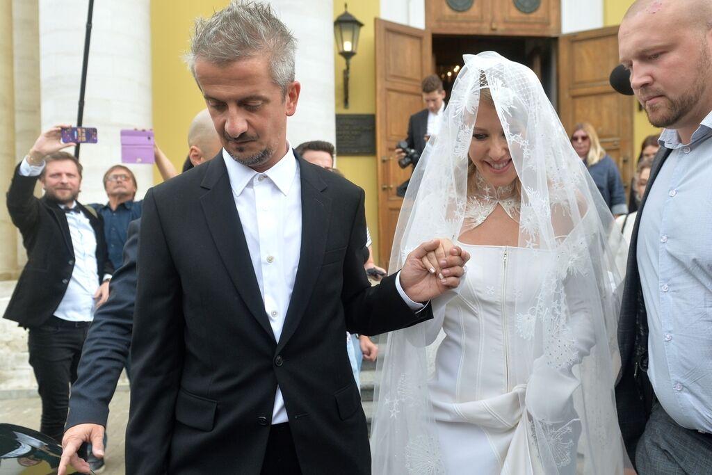 Свадебный Танец Ксении Собчак В Нижнем Бельё И Чулках