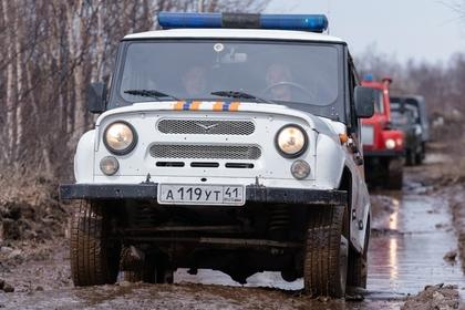 Россияне попытались переехать реку вброд на УАЗе и утонули