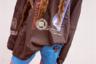 Ничто так не взывает к патриотизму, как триколор и герб России. Если носить их всегда на себе, а еще лучше — на любимых джинсах, — то любовь к родине начнет расти в геометрической прогрессии. Так, по всей видимости, подумал Демна да и создал брюки с соответствующей символикой. А затем распродал их за ничтожные 46 тысяч рублей.