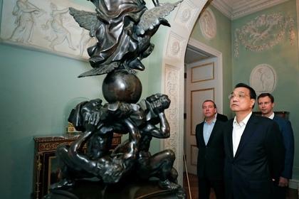 Медведев устроил экскурсию по Павловску для премьер-министра Китая