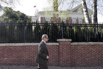 Названа причина вбросов о шпионящих за ФБР россиянах