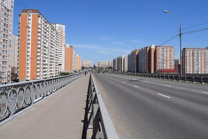 Женщина сбросила детей с моста в Москве