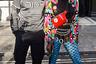 Лондонская неделя моды славится не только своими эпатажными дефиле, но и «отвязными» зрителями. Им ничего не стоит появиться на показе в цветных канотье и пластиковой маске, как у средневекового венецианского «Чумного доктора».