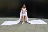 Парижская блогерка Zoe, создательница блога о моде Les Babioles de Zoe, явилась на показы Недели в странном одеянии: мини-платье с гипертрофированными съемными рукавами от Claire Tagg.