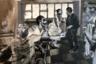 Лица всех персонажей на снимках фотографа Нео Матлога —  коллажи, составленные из фрагментов снимков его родных и близких. Такой прием — политическое утверждение Матлога, его собственное переосмысление расизма, представители которого не видят в чернокожих цельных людей.