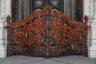 Есть мнение, что в современной фотографии детали заместили целое, оттеснили и выгнали его из культуры. Целостное восприятие ландшафта пропало, его дробят и пилят, снижая ценность всего содержания. Главные ворота Морского Никольского собора — тому пример. Находящийся в Кронштадте храм ежегодно украшают множеством георгиевских ленточек. Стать свидетелем этого явления можно в День Победы 9 мая.