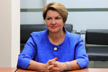 Российскую чиновницу передумали увольнять из-за селфи в «шоколадной» ванне