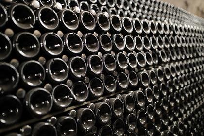 Названы способы распознать качественное белое вино