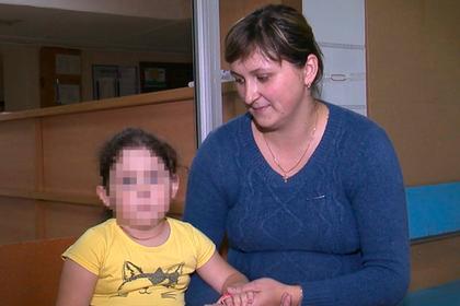 Трехлетней российской девочке удалили опухоль размером с кулак