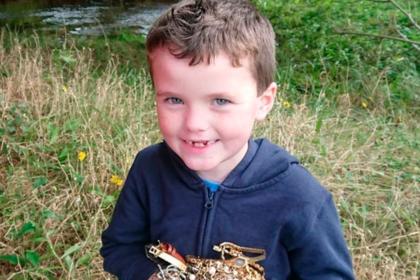 Мальчик нашел в реке тайник с драгоценностями