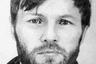 Кличка: Саша Македонский <br></br> Количество убийств: точно неизвестно, по некоторым данным— несколько десятков. <br></br> Статус: мертв. <br></br> Александр Солоник стал настоящей легендой преступного мира 90-х. Он родился в 1960 году в городе Кургане, в обычной семье. Армейскую службу прошел в ГДР, после чего недолго работал милиционером. Закончив с работой в МВД, он устроился могильщиком на кладбище, где и познакомился с будущими лидерами Курганской организованной преступной группировки. <br></br> Врожденная меткость и большие амбиции со временем помогли Солонику стать штатным киллером этой ОПГ. Свою кличку Македонский он получил за то, что, по некоторым данным, умел стрелять с двух рук — «по-македонски». Арсенал киллера составляло самое разное оружие: от пистолетов ТТ и Glock до гранатометов РПГ и автоматов Калашникова. Гонорары Солоника за некоторые убийства достигали полумиллиона долларов. <br></br> Ко всему прочему Саша Македонский обладал удивительной способностью скрываться от правоохранительных органов. Даже оказавшись в СИЗО «Матросская Тишина», киллер сумел бежать из изолятора, что прежде не удавалось никому. Впрочем, эта способность не спасла Солоника от коллеги по кровавому ремеслу— киллера Александра Пустовалова по кличке Саша Солдат. В 1997 году Пустовалов убил Солоника на вилле в Греции по заказу Ореховской ОПГ. Вместе с Сашей Македонским погибла его любовница — финалистка конкурса «Мисс Россия-1996» Светлана Котова.