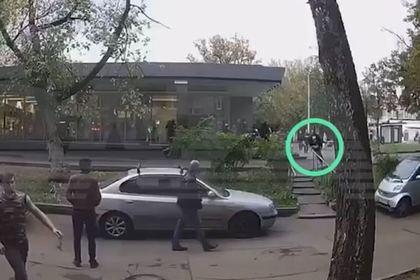 Появилось видео последних минут жизни раненного коллегой полицейского