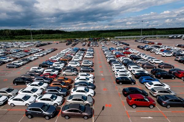 Россияне забросили автомобили из-за дорогого бензина