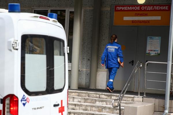 Стало известно о состоянии упавшего в яму с кипятком двухлетнего россиянина