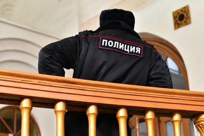 Российский полицейский объяснил расстрел пытавшихся его задержать коллег