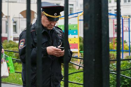 Российский подросток метнул нож в школьного психолога