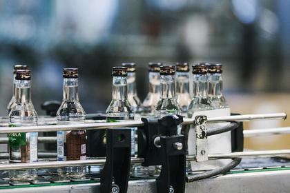 Россияне стали покупать меньше водки