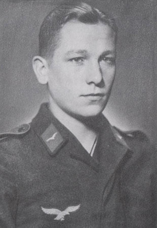Бернхард Траутманн в 1941 году