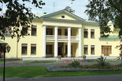 Обвиняемых в хищении при реконструкции резиденции Путина отпустили под залог