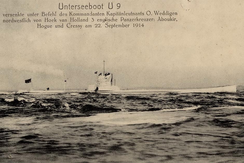 U9 в Северном море. Первый помощник капитана U9 Йоганн Шписс ведет наблюдение