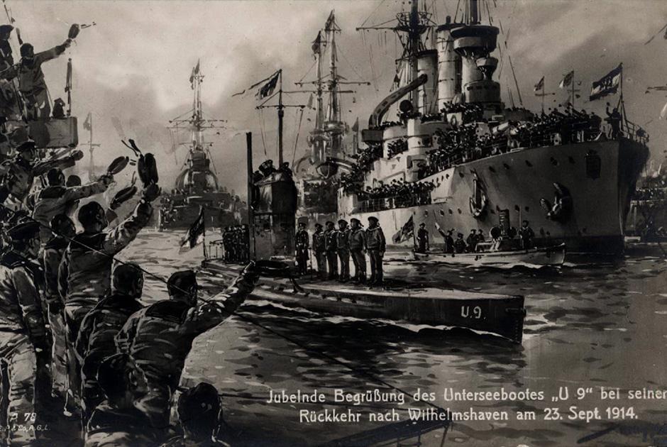 23 сентября 1914 года. База германского императорского флота в Вильгельмсхафене. Экипажи германских броненосцев приветствуют U9