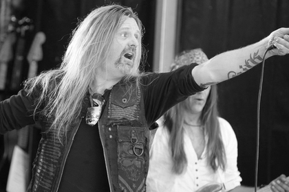 Вокалист групп Shy и TNT умер от рака