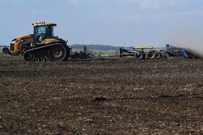 Украина пригрозила отнимать земли у россиян