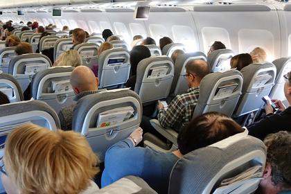 «Подозрительное» поведение пассажира в туалете стало причиной отмены рейса