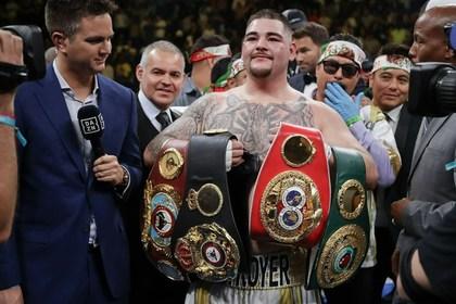 54-летний чемпион мира по боксу собрался отомстить Руису за сына