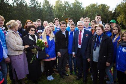 Воробьев посадил кедр в честь Юрия Гагарина