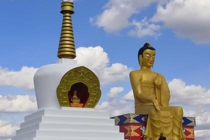 В России открыли крупнейшую в Европе статую Будды