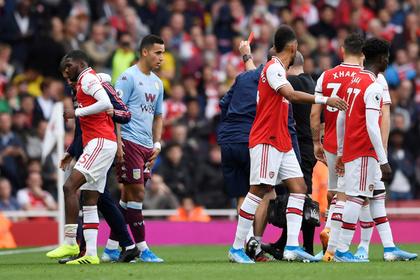 «Арсенал» в меньшинстве вырвал победу в игре с новичком АПЛ