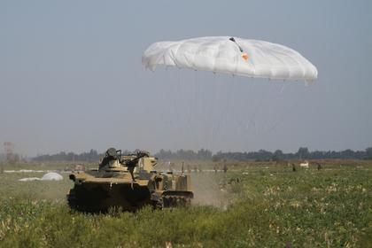 Две российские боевые машины десанта разбились из-за несработавших парашютов